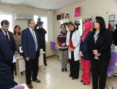 Sancaktepe Belediye Başkanı İsmail Erdem, Meslek Edindirme Kursunu ziyaret etti